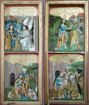 postranní křídla - vnitřní strana s reliéfy - stav před restaurováním
