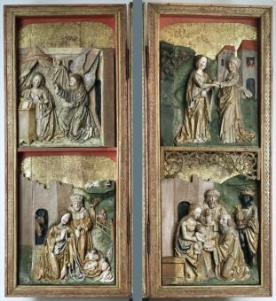 postranní křídla - vnitřní strana s reliéfy - stav po restaurování
